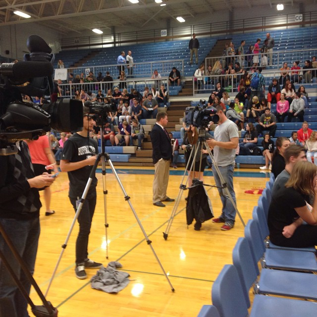 The media is on hand at Hillcrest for Gov. Jay Nixon.